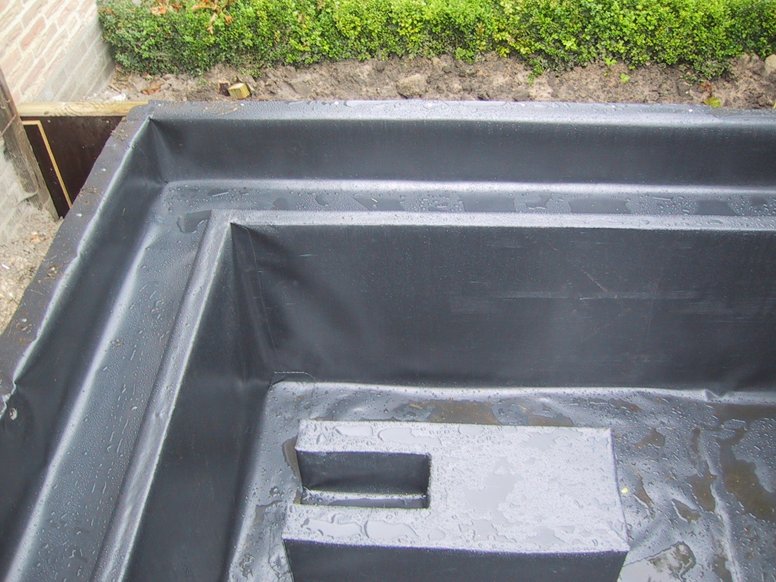 Aanleg vijver aldak bvba dakbedekkingen for Folie vijver